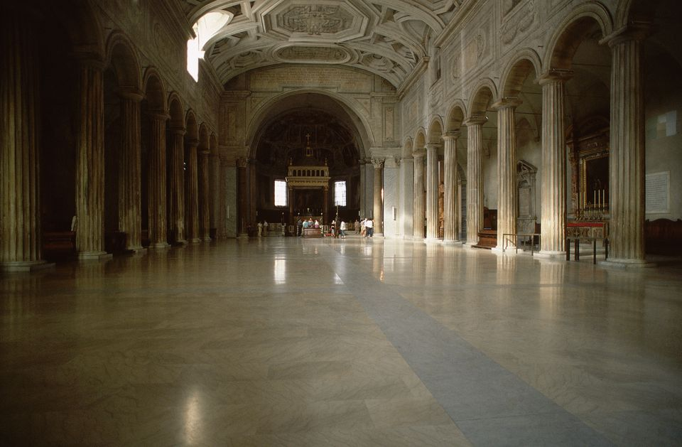 San Pietro in Vincoli in Rome: Nave