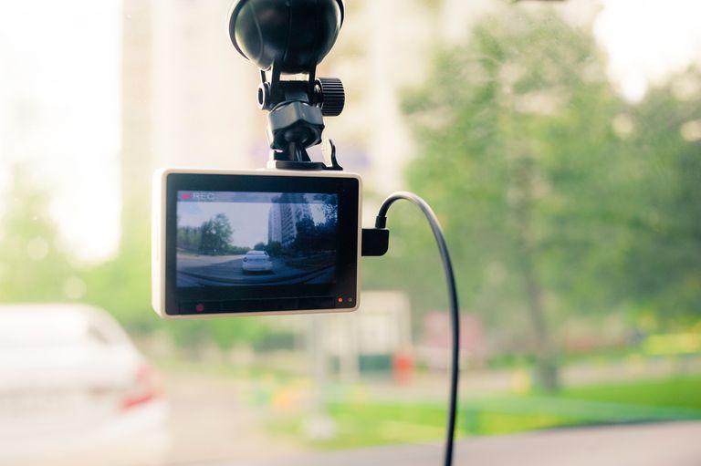 Daschcam on windshield