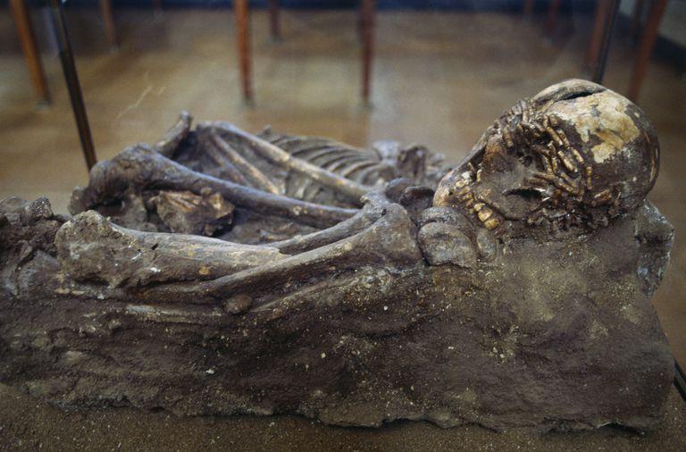 Natufian burial found on Mount Carmel