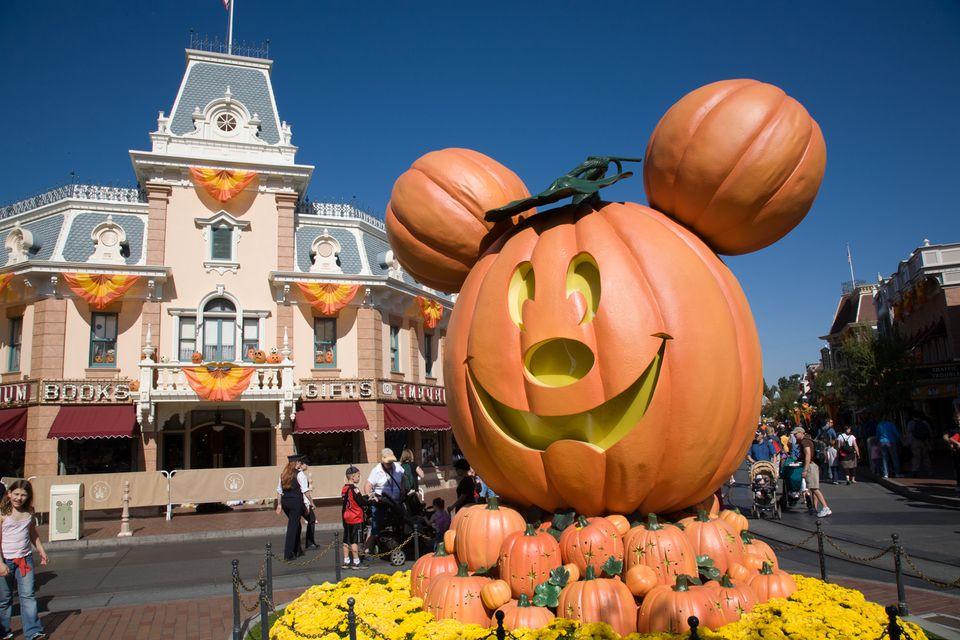Disneyland HalloweenTime