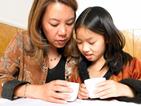 gi-mother-and-daughter-teacups.jpg