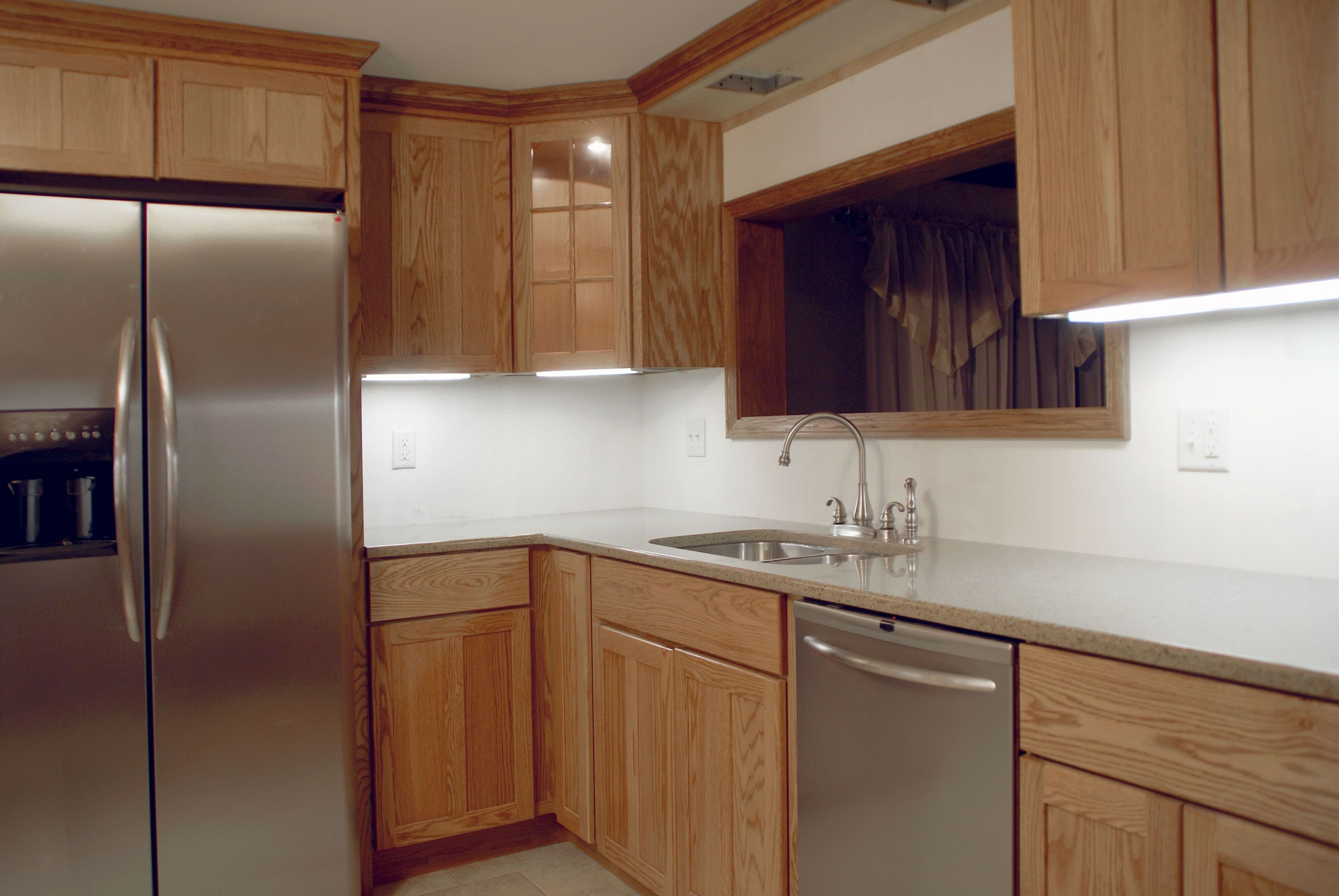Refacing or replacing kitchen cabinets for I kitchen cabinet