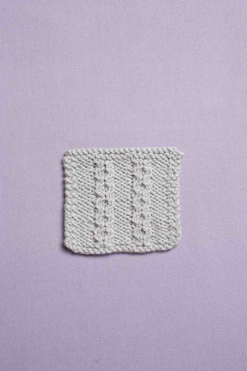 Little pearls knitting stitch pattern from knitting all around stitch dictionary