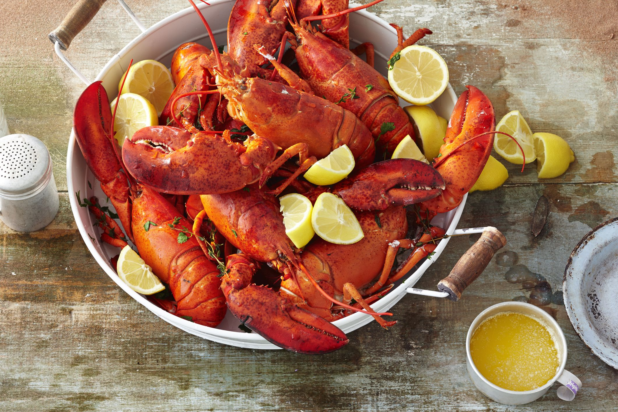Get Live Lobsters Shipped from Maine