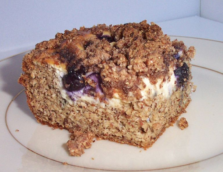 low-carb blueberry cream cheese coffee cake
