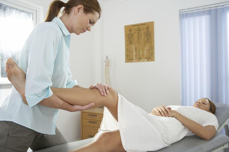 Chiropractic examination of knee