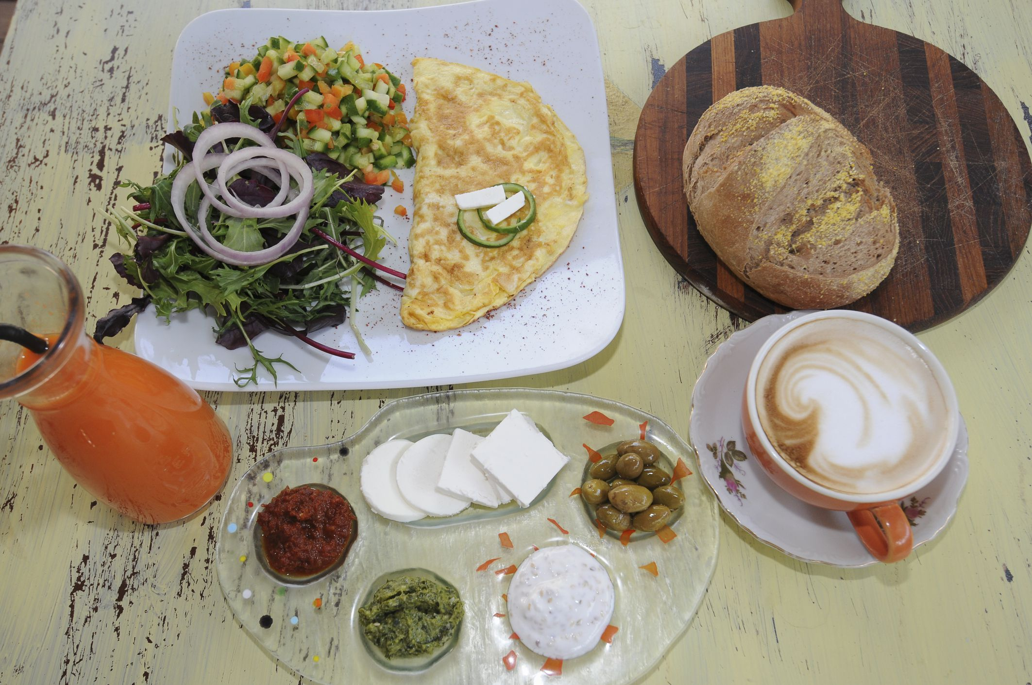 How To Make An Amazing Israeli Breakfast Buffet