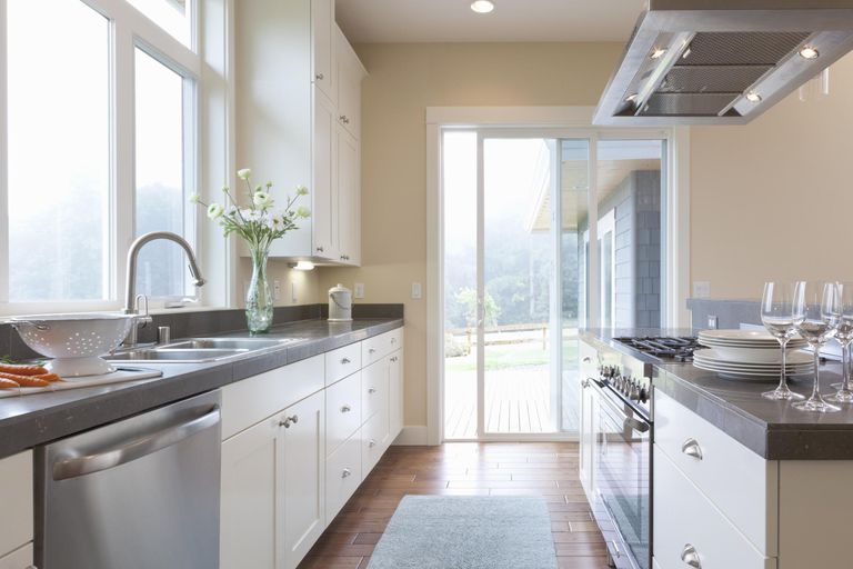 What Is the Optimal Kitchen Countertop Height