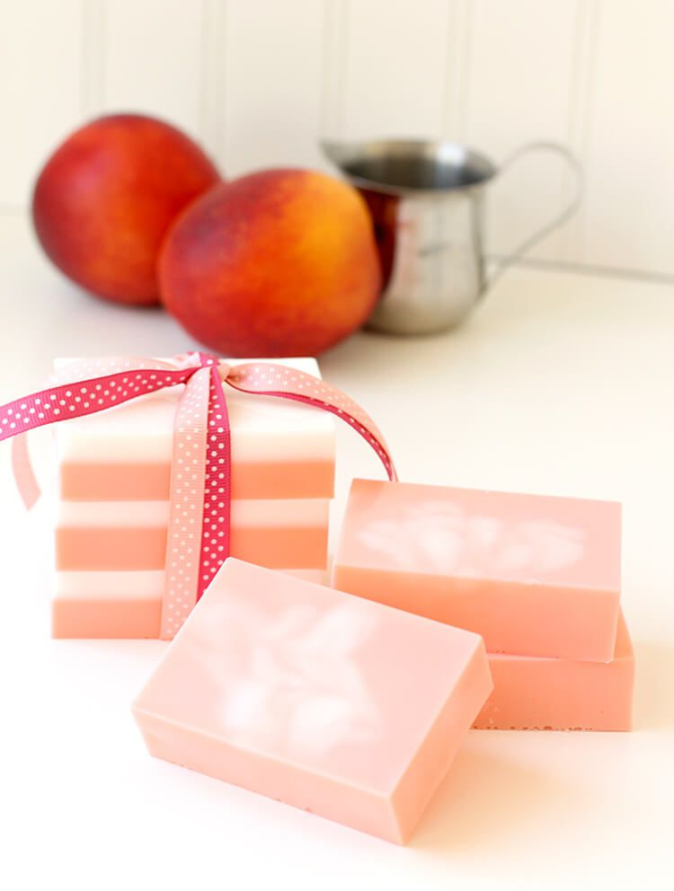 100 great ideas for inexpensive homemade gifts diy peaches and cream soap solutioingenieria Images