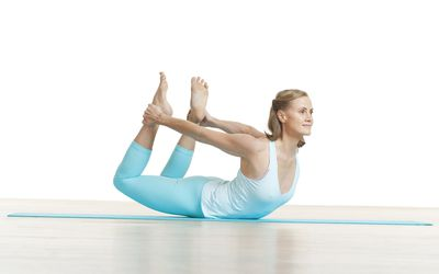 how to do the shoulder bridge pilates exercise