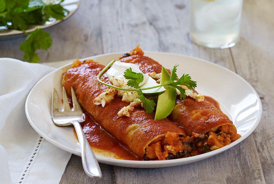 Enchiladas in a chile sauce