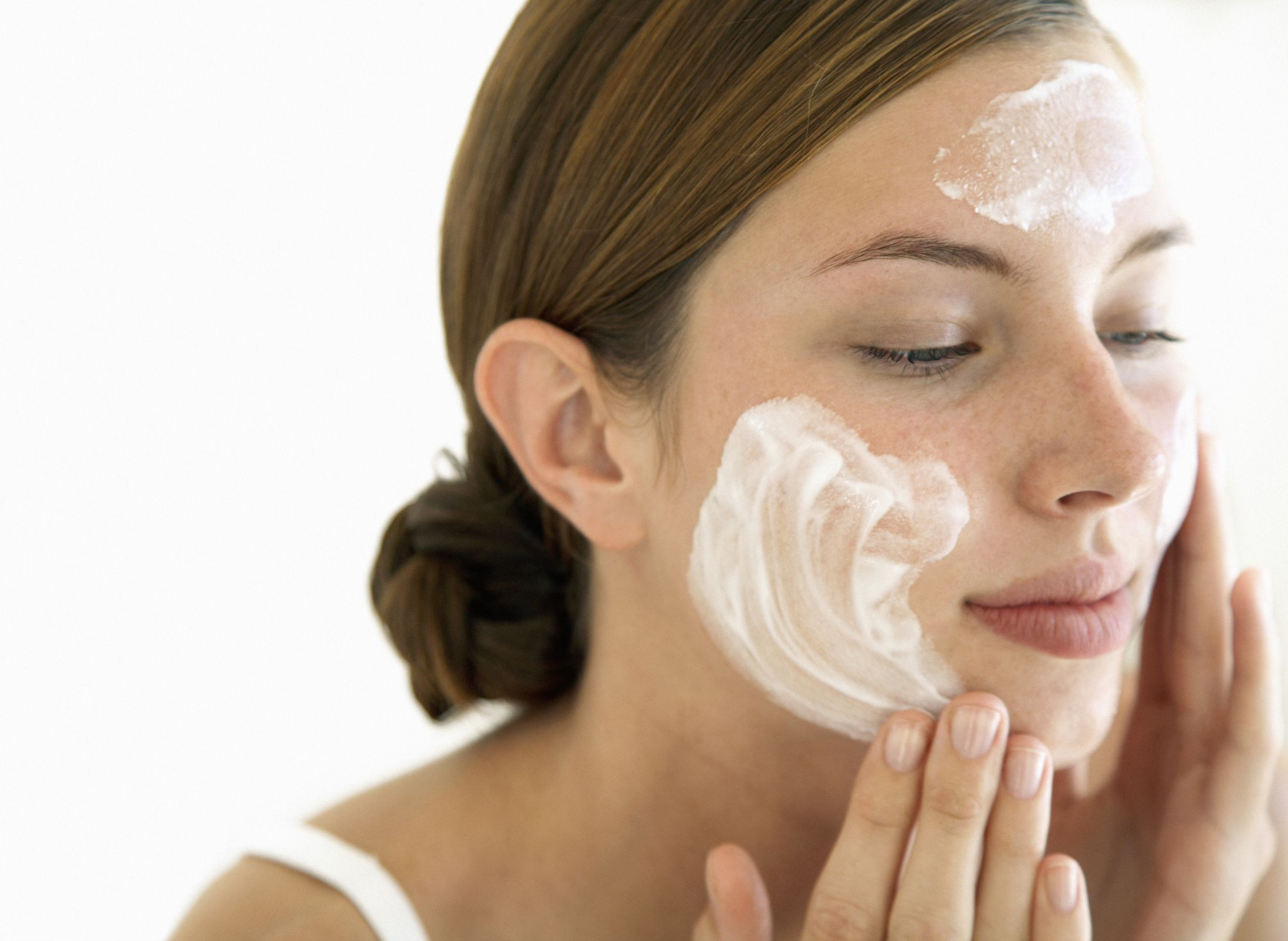 Save Time & Money With a Broad Spectrum SPF Moisturizer