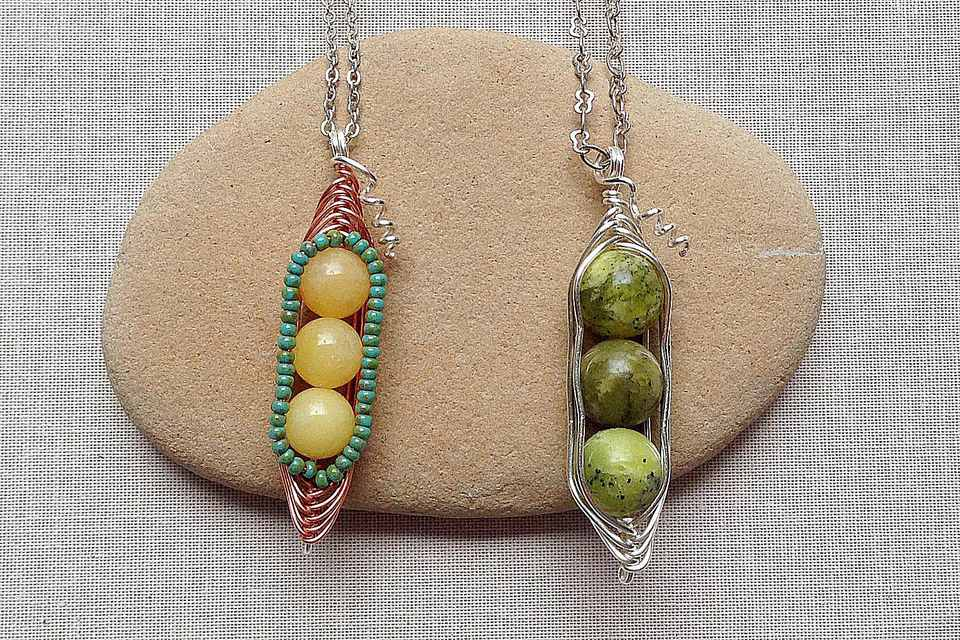 Pea pod wire wrap bead pendants with wire tendrils