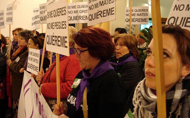 Manifestación del Día Mundial contra la Violencia de Género en Andalucía, España.