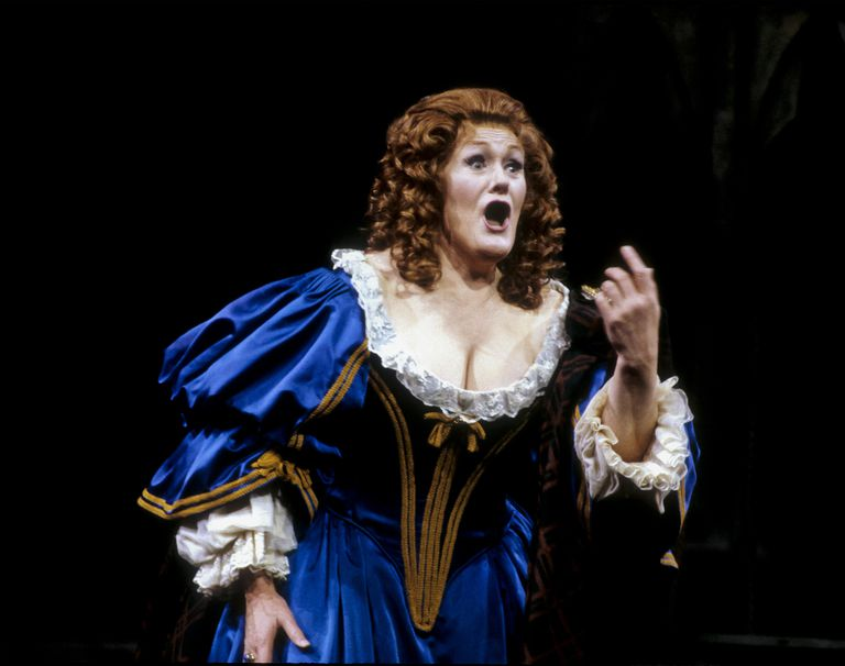 Australian soprano Dame Joan Sutherland (1926 - 2010) (as 'Lucia') on stage in the Metropolitan Opera production of Gaetano Donizetti's 'Lucia di Lammermoor' at a Gala Benefit Performance for the Metropolitan Opera Pension Fund, Metropolitan Opera House, Lincoln Center, New York, New York, January 9, 1987.