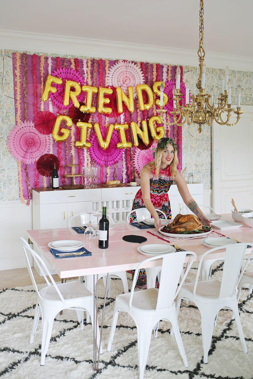 DIY Friendsgiving Party Backdrop