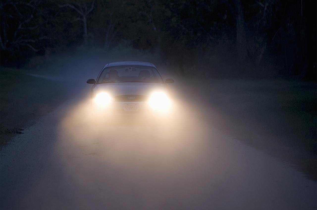 Women S Headlights : Urban legend gangs kill drivers who flash their lights
