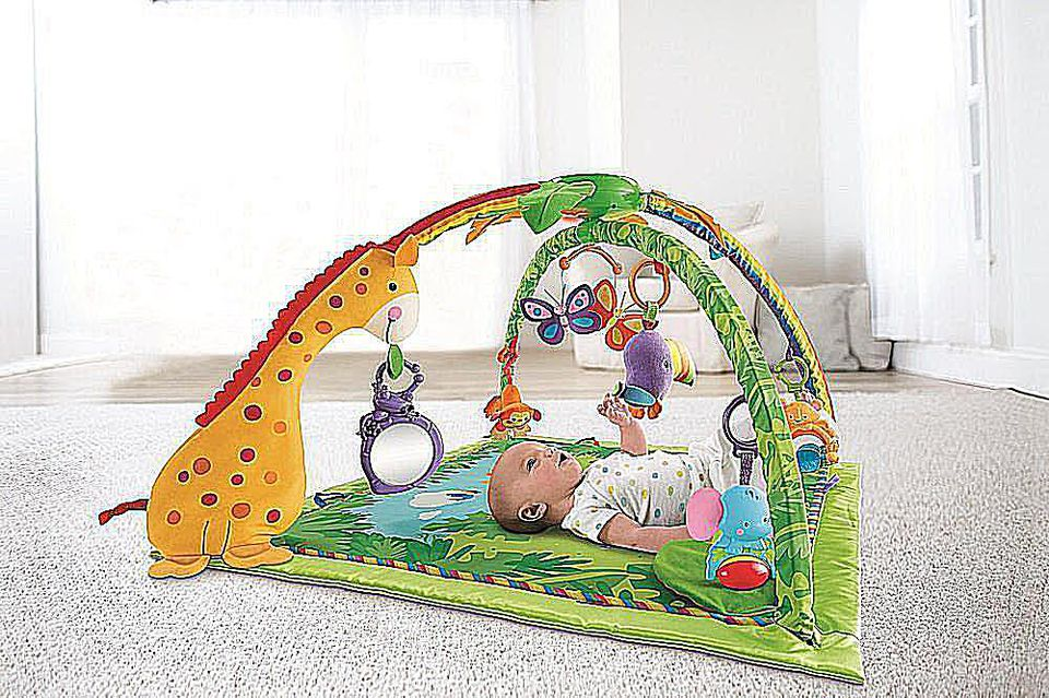 Fisher Price Deluxe Rainforest Melodies and LIghts Gym
