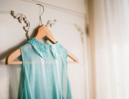How to remove underarm stains and odor from clothes for How to get armpit stains out of colored shirts