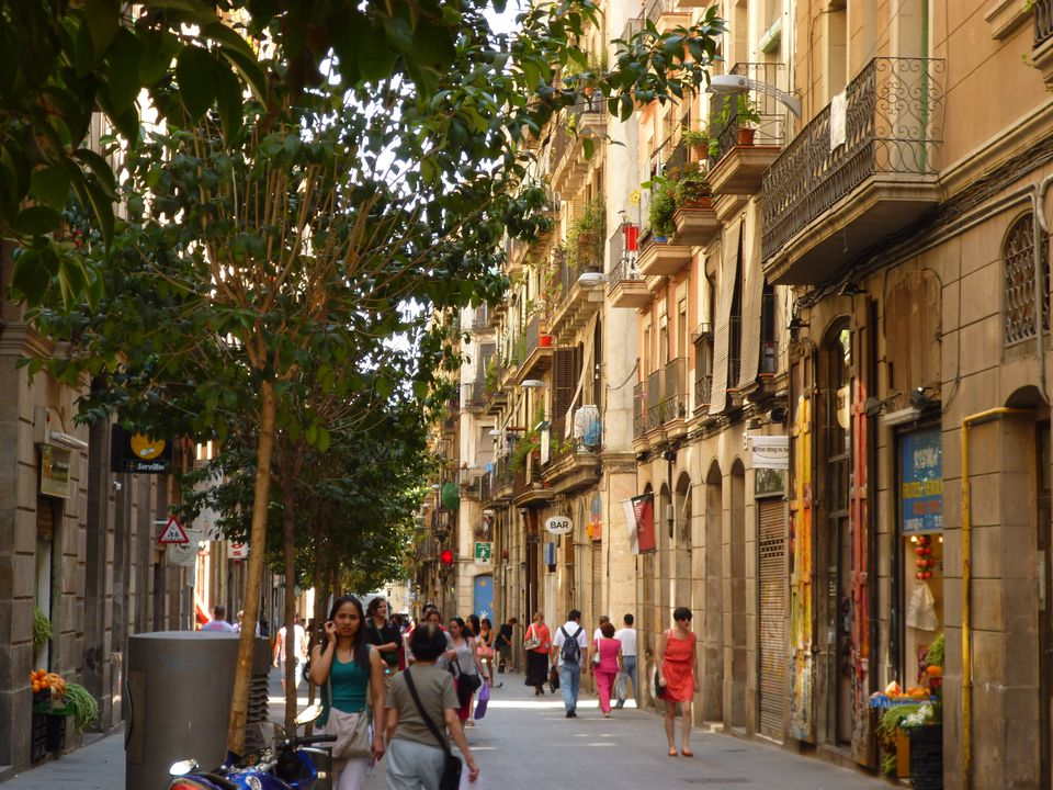 Visit Barcelona from Montpellier to see street Scenes like this
