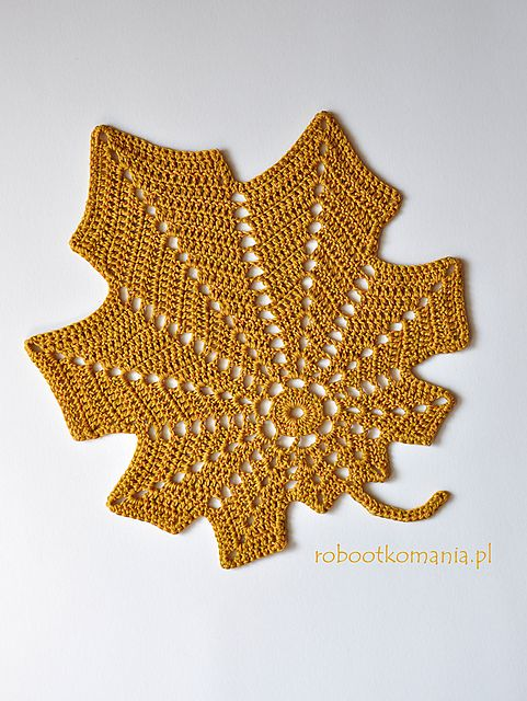 Large Autumn Leaf Free Crochet Pattern