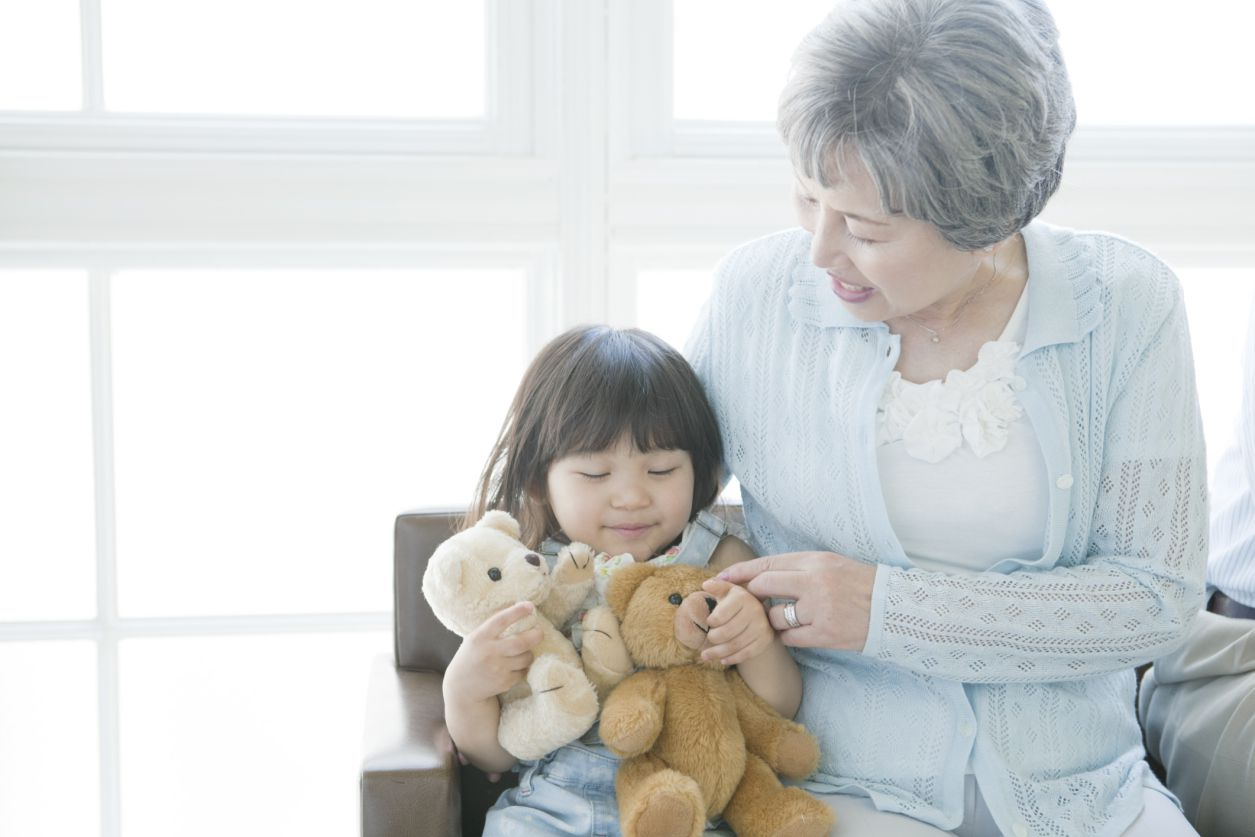 Can Grandparents Avoid Playing Favorites