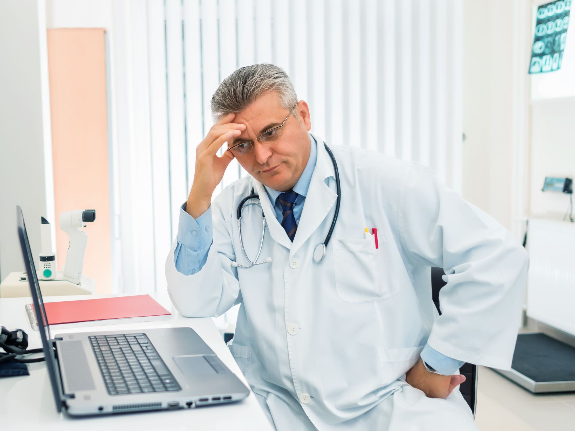 Why Your Endocrinologist May Oppose Natural Thyroid