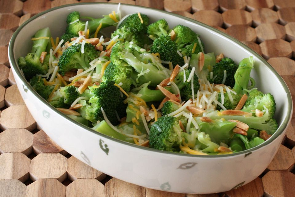Broccoli With Shredded Cheese and Toasted Almonds