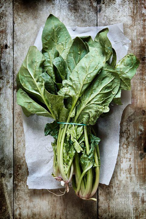 Delicious stir-fry spinach in three ways