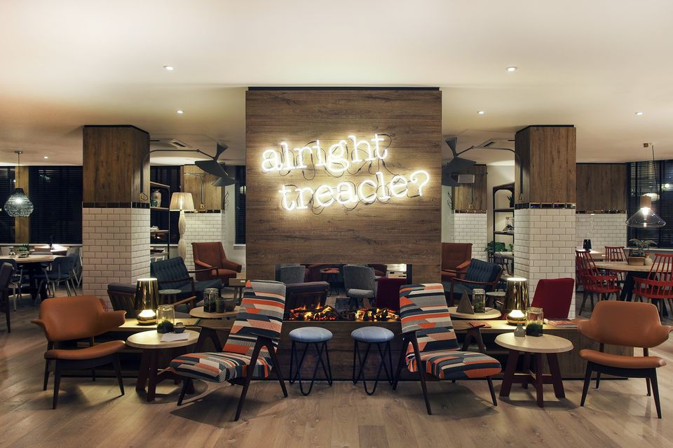 Stylish london hotels your wallet will love for Low budget hotel