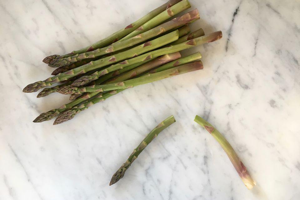 how to keep cut asparagus