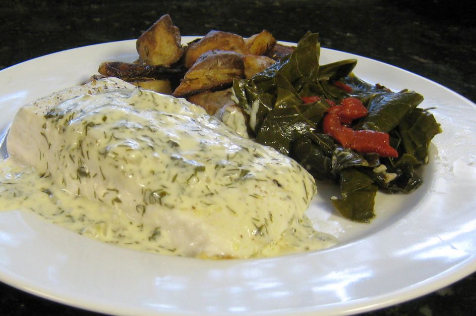 Baked Halibut With Creamy Dill Sauce