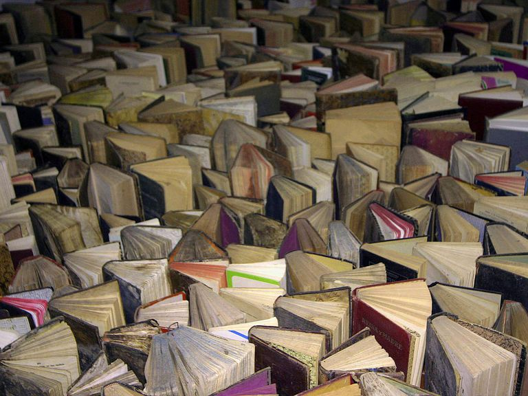 sea of books for article on spanish syllabification