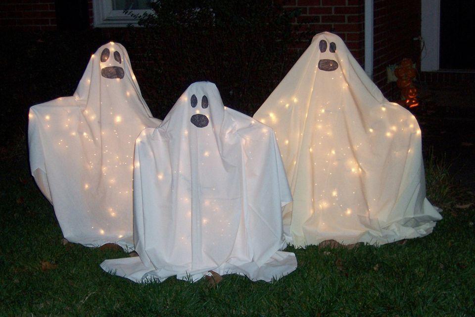 DIY Ghosts for yard