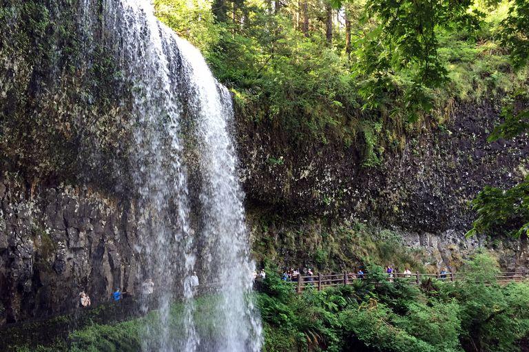 Hiking Behind Silver Falls