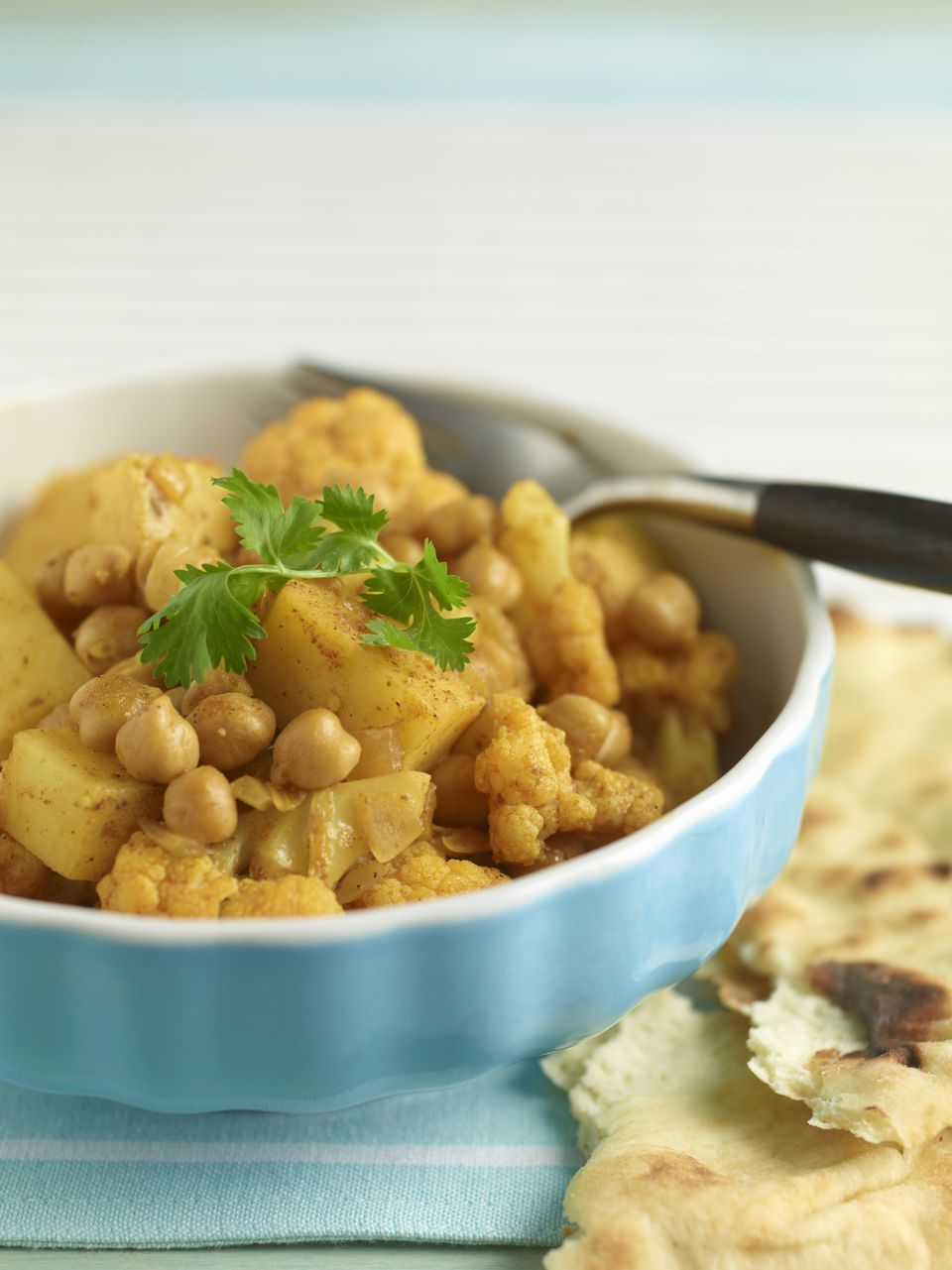 Yellow curry chickpeas