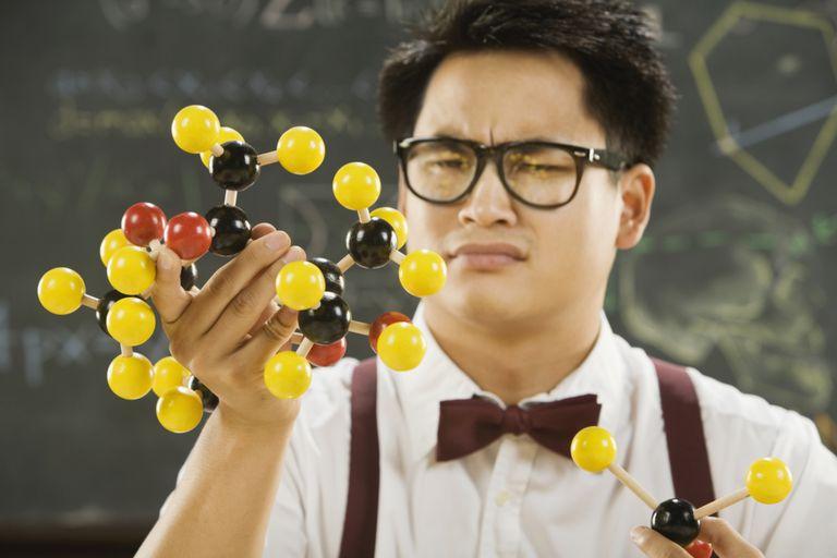 Guy confused by molecule
