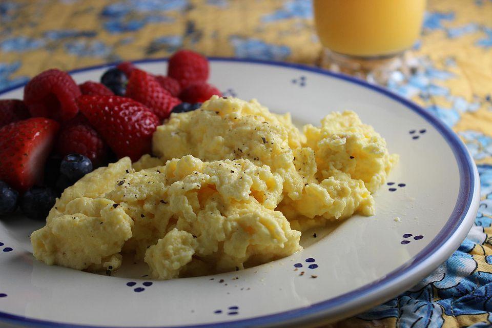 Make-Ahead-Scrambled-Eggs.jpg