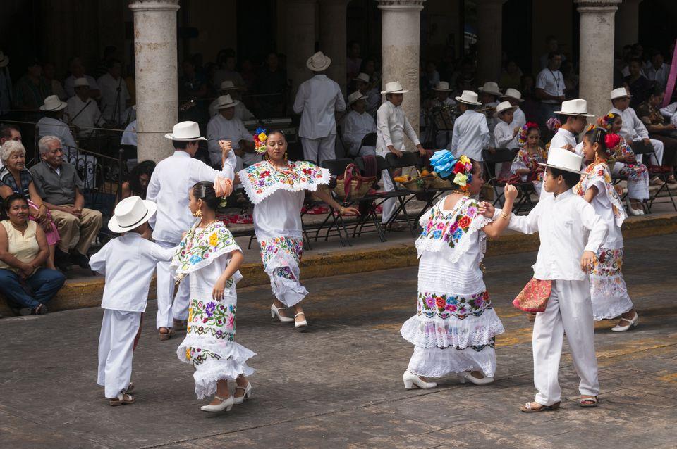 Mexican folklore dancersin Merida, Yucatan