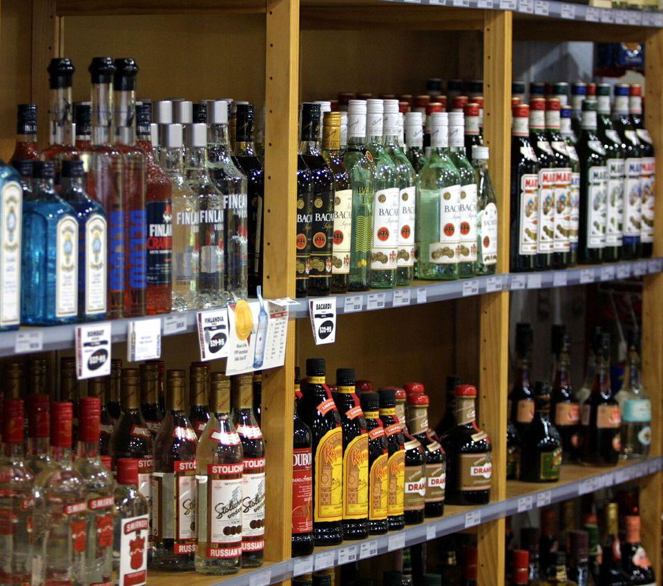 LiquorShelvesGettyMichaelBradley1629x1440.jpg