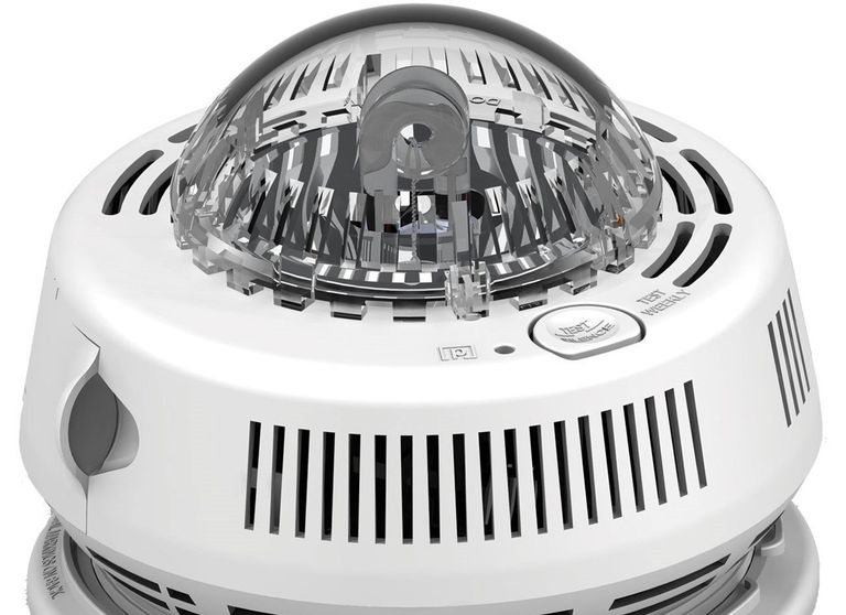 First Alert Smoke Alarm with Strobe Light for the Hearing Impaired