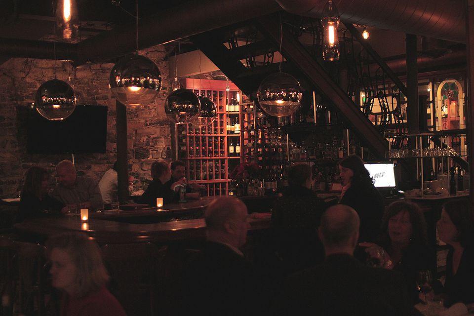 modavie-montreal-jazz-restaurant-clint-lewis.JPG