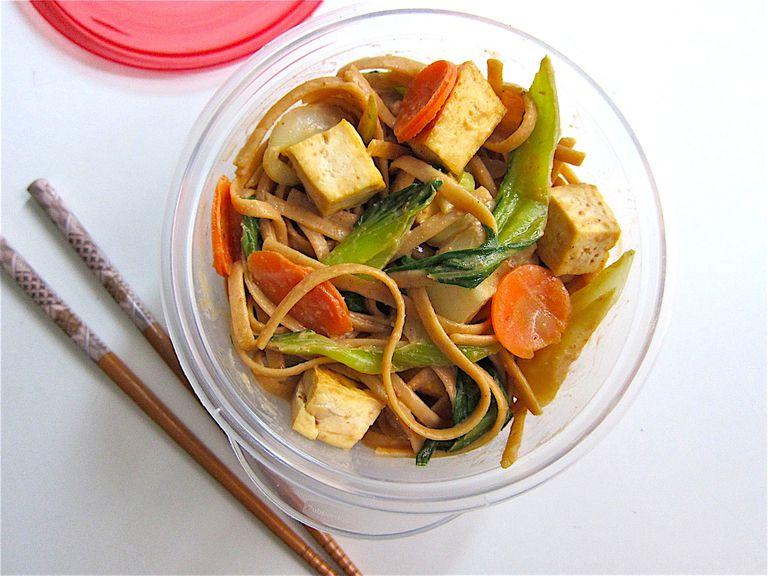 Peanut Noodles With Tofu and Veggies