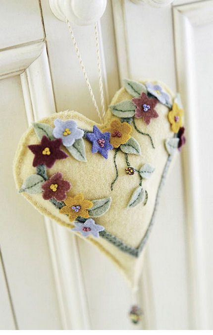 Better Homes and Gardens Heart Pincushion