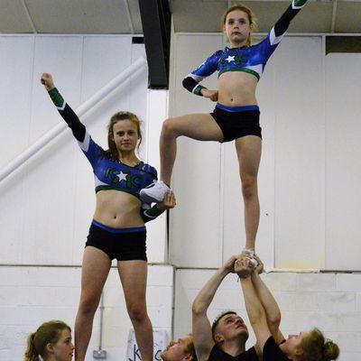 Cheer stunt group classic 4