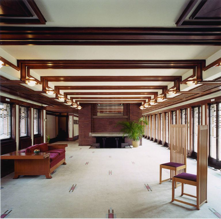 Long room, walls of windows at the Robie House