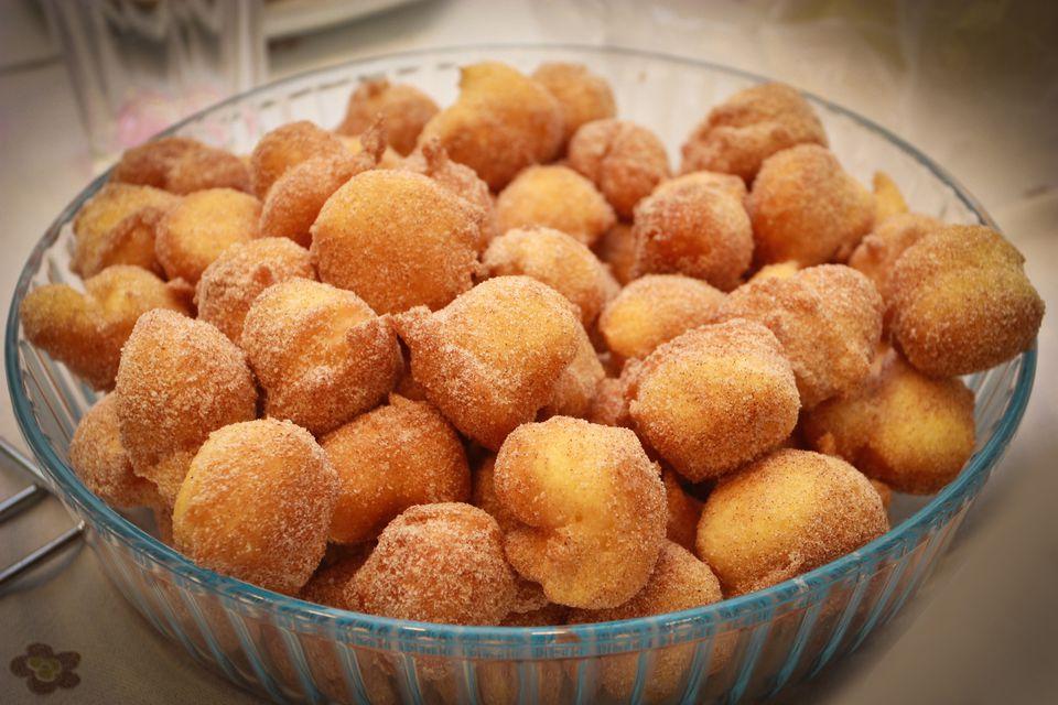 Bolinhos de Chuva- Brazilian doughnuts