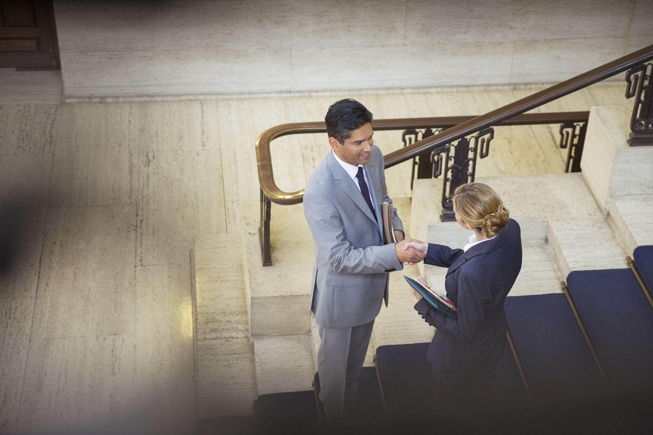 How to Become a Legal Secretary: 12 Steps (with Pictures)