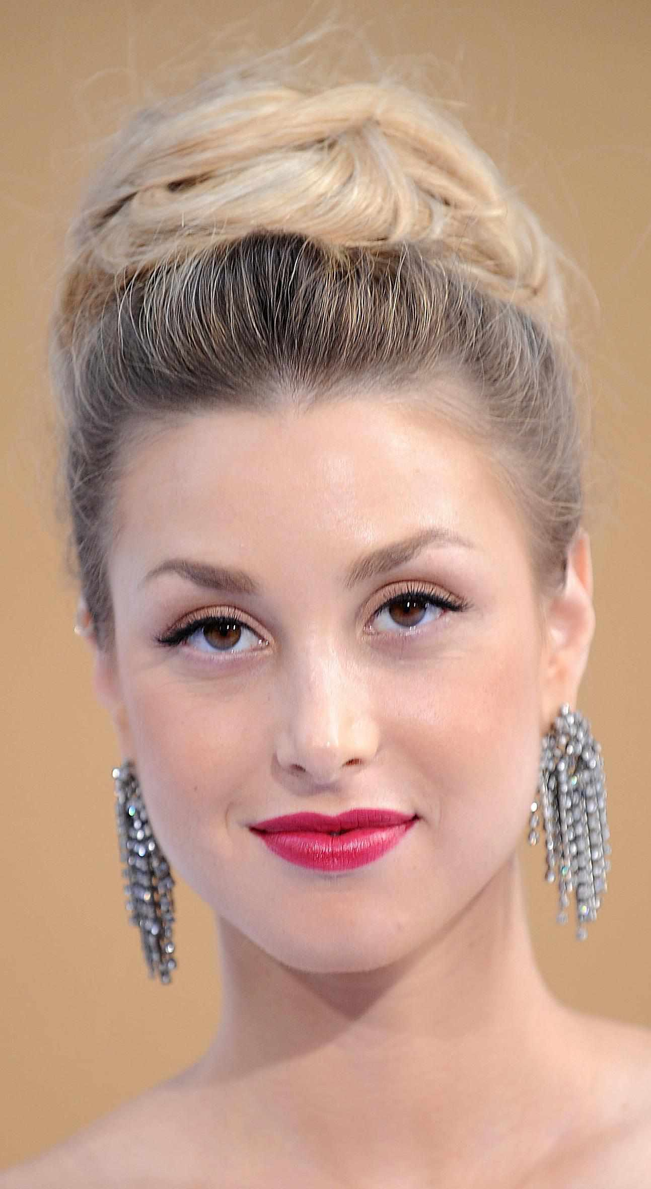 30 Hairstyle Ideas for Classic Prom Updos