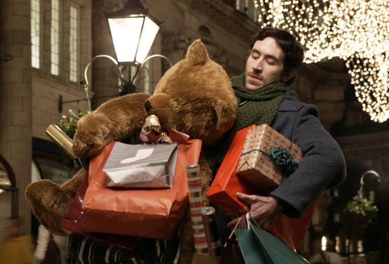 christmas_eve_store_hours_-_target_walmart_macys_best_buy